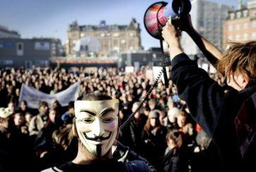 Ακτιβισμός: Πως η νοητική ελίτ του διαδικτύου προσπερνά τις ντουντούκες στις πλατείες