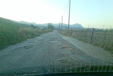Διάσπαρτος από λακκούβες ο δρόμος-παράκαμψη Πάλαιρος-Άκτιο-Λευκάδα