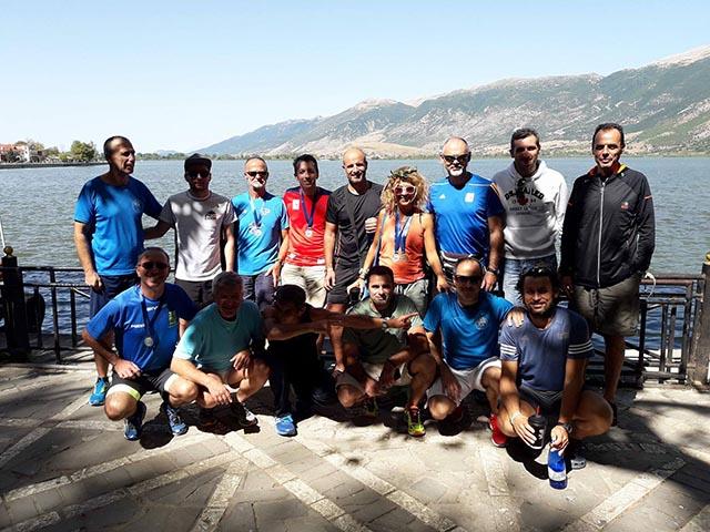 """Δυναμικό """"παρών"""" του Συλλόγου Δρομέων Υγείας Αγρινίου στον 11ο γύρο της λίμνης Ιωαννίνων"""