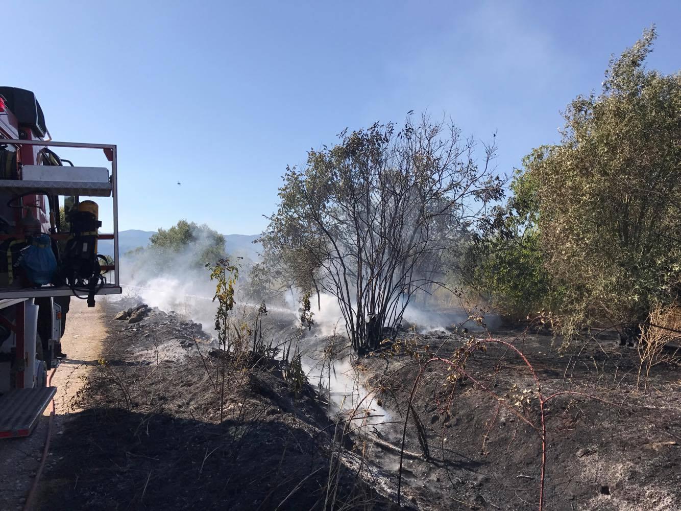 Φωτιά σε αγροτική έκταση στο Παναιτώλιο