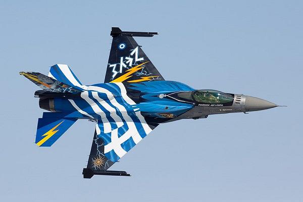 Η Ομάδα Αεροπορικών Επιδείξεων F16 «Zευς» στις φετινές εκδηλώσεις της Ναυμαχίας