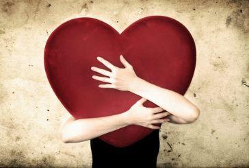 Καρδιά: Τα 11 συμπτώματα που απαγορεύεται να αγνοήσετε