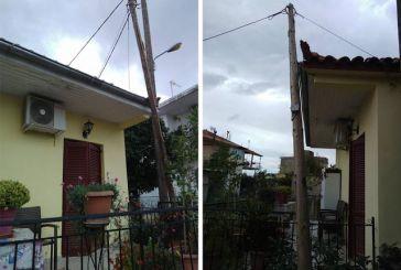 Κολώνα του ΟΤΕ  έτοιμη να πέσει πάνω σε σπίτι στη Βόνιτσα