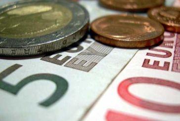 Στα 650 ευρώ αυξάνεται ο κατώτατος μισθός και στα προγράμματα κοινωφελούς εργασίας