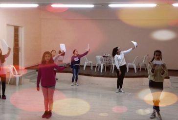 """Θεατρική παράσταση «Η Μπαλάντα των Χριστουγέννων"""" απόψε στο Αγρίνιο"""