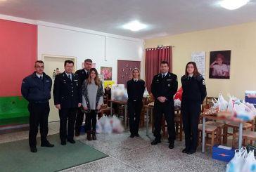 Δυτική Ελλάδα: Αστυνομικοί μοίρασαν δώρα σε φορείς και φιλανθρωπικά ιδρύματα