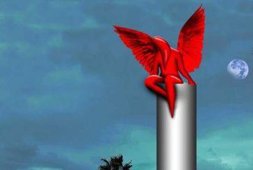 Ανω κάτω το Π. Φάληρο με τον «Κόκκινο Αγγελο» του Κωστή Γεωργίου -«Θυμίζει εωσφόρο», λένε οι κάτοικοι