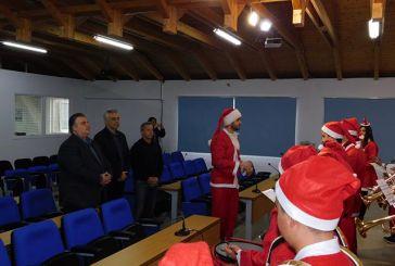 Ευχές και Χριστουγεννιάτικα κάλαντα στο Δημαρχείο Μεσολογγίου