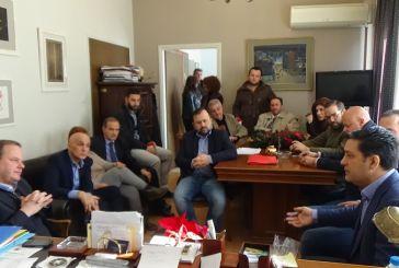 Κ.Καραμανλής στο δημαρχείο Αγρινίου : θα πιέσουμε την κυβέρνηση να αναλάβει επιτέλους τις ευθύνες της