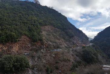 Αποκλεισμένα ορεινά χωριά του δήμου Θέρμου από κατολίσθηση στη θέση Τριανταφυλλέικα
