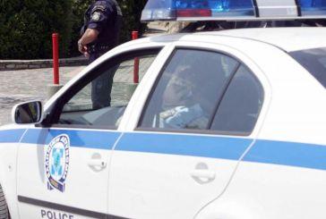 Aιτωλοακαρνανία: συνελήφθη και επιτέθηκε σε αστυνομικούς μέσα στο περιπολικό