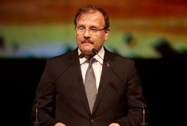 Απίστευτες απειλές Τσαβούσογλου: Μπορεί να μην μείνει χώρα για να προστατεύσετε