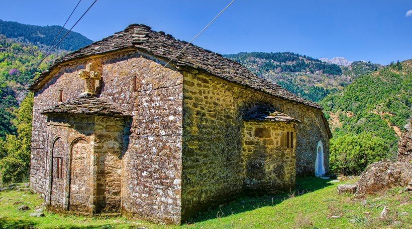 Η Μονή Μεσοπύργου στην Κοιλάδα του Αχελώου