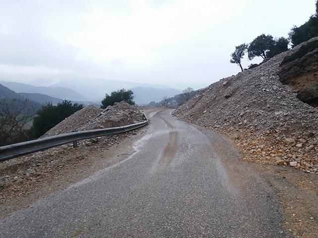 Επικίνδυνο σημείο στο δρόμο Εμπεσός – Περδικάκι