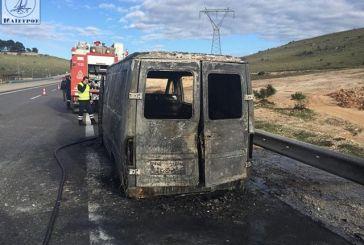 Κάηκε ολοσχερώς αυτοκίνητο στην Ιόνια Οδό στην Αμφιλοχία