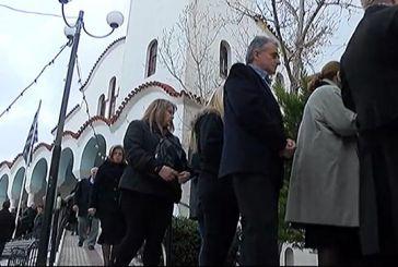 Έσπασαν καρδιές στο 40ημερο μνημόσυνο μητέρας, κόρης και εγγονής στους Αγίους Αναργύρους (video)