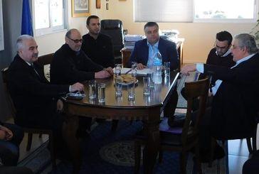 Έκτακτη σύσκεψη τριών δημάρχων στο Μεσολόγγι με ψήφισμα ενάντια στη μεταφορά του  ΕΟΠΥΥ στο Αγρίνιο
