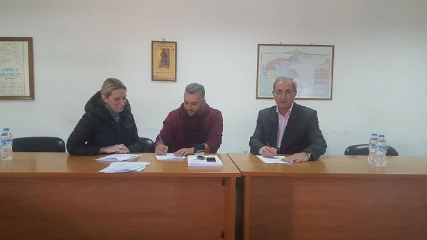 Υπεγράφη η σύμβαση για έργο 750.000 € προς αποκατάσταση ζημιών από πλημμύρες στην οδοποιία του Δήμου Θέρμου
