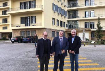 Tρεις δήμαρχοι στον αρχηγό  ΓΕΣ για το στρατόπεδο του Μεσολογγίου