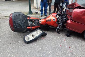 Αγρίνιο: «Άγιο» είχε οδηγός μηχανής – Τον έσωσε το κράνος!