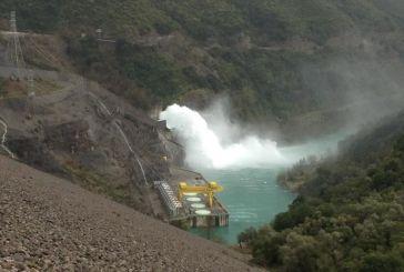 Τη θέσπιση ανταποδοτικού τέλους μεγάλων υδροηλεκτρικών σταθμών ζητά ο βουλευτής Κώστας Μπαργιώτας