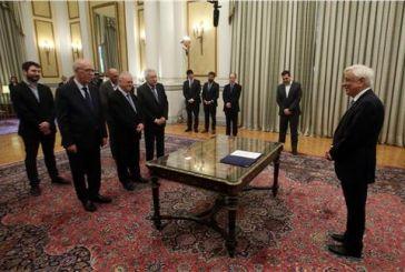 Πολιτικό όρκο έδωσαν τα νέα μέλη της κυβέρνησης (video)