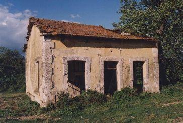 Οι σταθμοί του τραίνου σε Καλύβια και Δοκίμι πριν χαθούν…