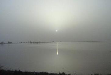 Η αφρικανική σκόνη «έσβησε» το ηλιοβασίλεμα στη λιμνοθάλασσα