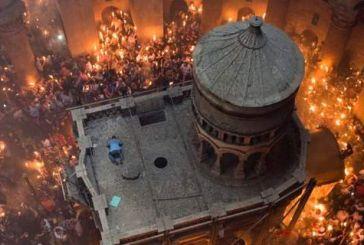Ολοκληρώθηκε η τελετή Αφής του Αγίου Φωτός – Με καθυστέρηση, φτάνει στην Αθήνα