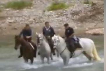 Πέρασμα του Ευήνου με άλογα στο Καρέλι (Vid)