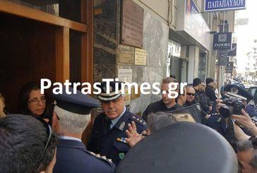 Ντου και αποκλεισμός συμβολαιογραφείου από δανειολήπτες και συλλογικότητες στην Πάτρα (video)