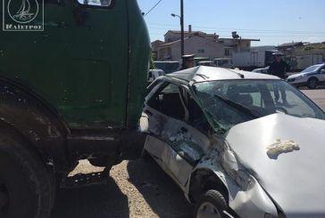 Στο νοσοκομείο οδηγός από σφοδρή σύγκρουση αυτοκινήτου με φορτηγό του Δήμου Αμφιλοχίας