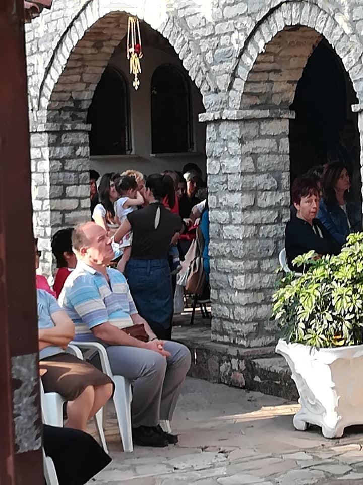 Πλήθος πιστών καθημερινά στο Ησυχαστήριο του Αγίου Κυπριανού και Ιουστίνης στο Παναιτώλιο