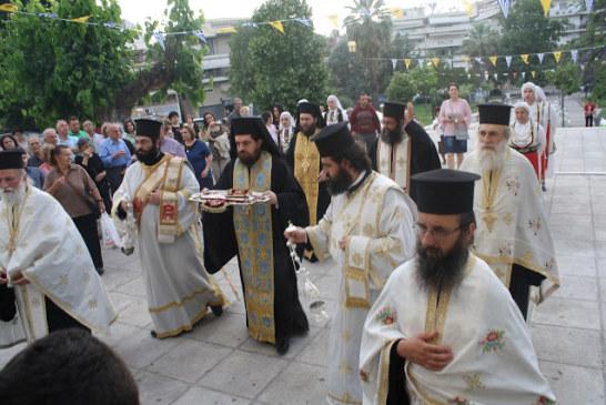 Η υποδοχή της Δεξιάς Χειρός του Αγίου Βλασίου του Ακαρνάνος στην Αγία Τριάδα Αγρινίου (φωτό)