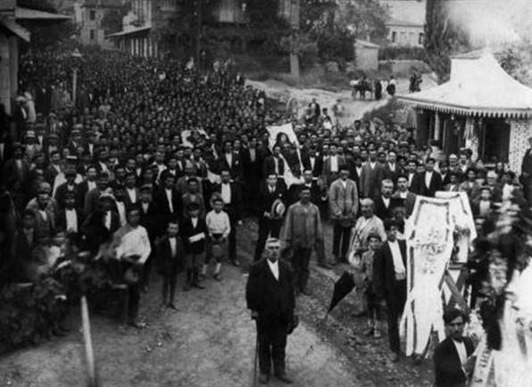 Η κηδεία της Βασιλικής.