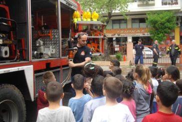 Επίσκεψη νηπιαγωγείων στην Πυροσβεστική Υπηρεσία Αγρινίου (φωτο)