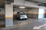 Πώς με ένα Smart κλείνουν δύο θέσεις στάθμευσης;