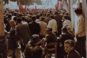 Η Πρωτομαγιά του 1980 έξω από το Εργατικό Κέντρο Αγρινίου