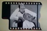 Βέγγος ξυρίζει Παπαγιαννόπουλο σε κουρείο του Αγρινίου