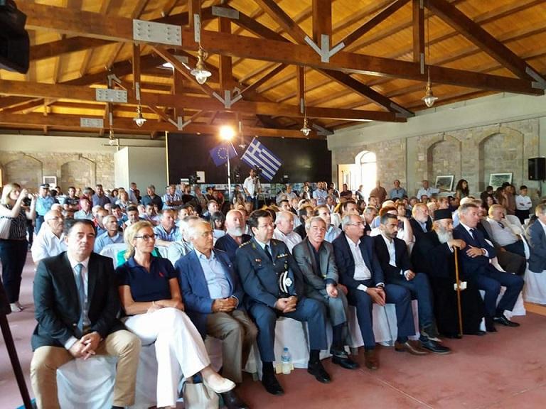 οι βαλτινοί γέμισαν ασφυκτικά την αίθουσα στο Περδικάκι, συμμετέχοντας πολλοί από αυτούς ενεργά στο διάλογο που αναπτύχθηκε.