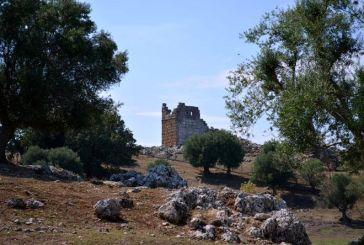 Ο Kοκκινόπυργος στην αρχαία πόλη των Οινιαδών