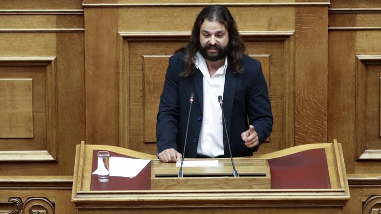 Ενταση στη Βουλή προκάλεσε πάλι ο Μπαρμπαρούσης