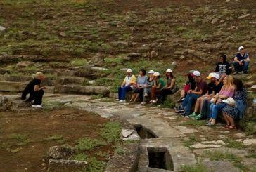 """Νέοι του """"Παναγία Ελεούσα"""" περιηγήθηκαν στο αρχαίο Θέατρο Στράτου"""