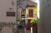 Αγρίνιο, η αποκάλυψη του ετερόκλητου της πόλης μέσα από μια εικόνα