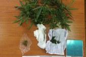 Αγρίνιο: χειροπέδες για χασίς σε 47χρονη μετά από αστυνομική έφοδο στο σπίτι της