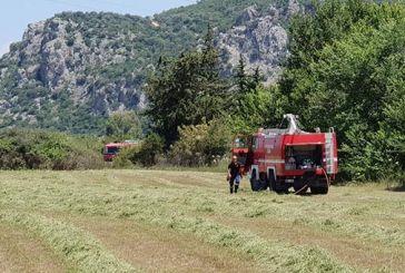 Η άμεση επέμβαση της Πυροσβεστικής πρόλαβε την εξάπλωση φωτιάς στη Μαγούλα Βόνιτσας (φωτο)
