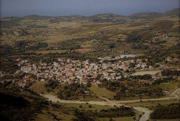 Μοναστηράκι: Ένα παραμυθένιο χωριό στη Βόνιτσα «βουτηγμένο» στη φύση