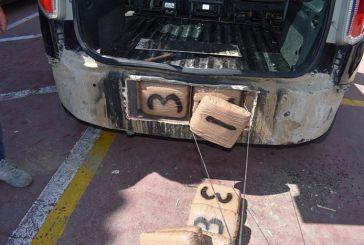 Μπλόκο στο Κομπότι στη μεταφορά 53 κιλών χασίς – Δύο συλλήψεις από την Αστυνομία