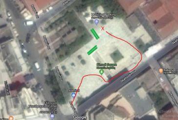 Πολίτης (με επίπεδο) ζητά από τον δήμαρχο ράμπες στην πλατεία Δημάδη