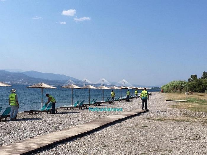 Δωρεάν ξαπλώστρες στην παραλία της Παλαιοπαναγιάς Ναυπάκτου